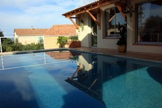 Villas to rent in France details